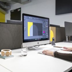 AcousticPro-Deskdivider-met-print